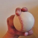 スライダー(変化球)の握り方と投げ方について解説!ダルビッシュや松坂などが代表的かな